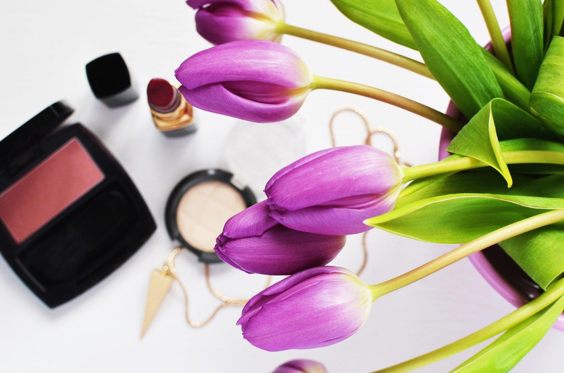 Jak wybierać kosmetyki do pielęgnacji cery trądzikowej